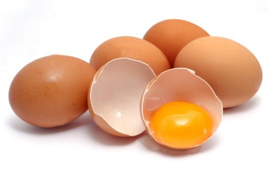 Cách làm tóc mau dài bằng trứng gà