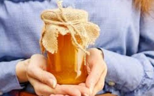 Dưỡng tóc bằng mật ong