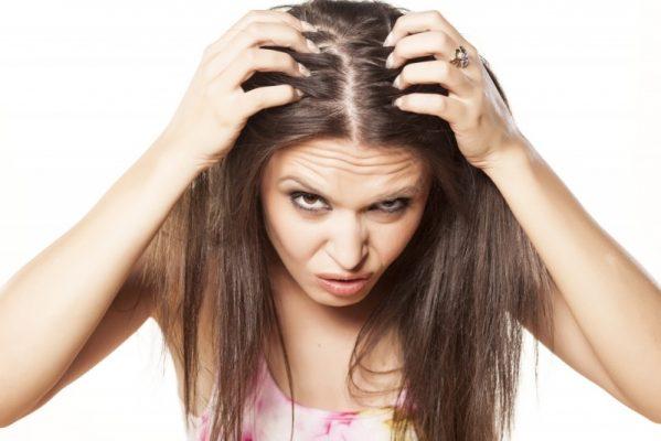 Tình trạng ngứa da đầu, rụng tóc và cách điều trị