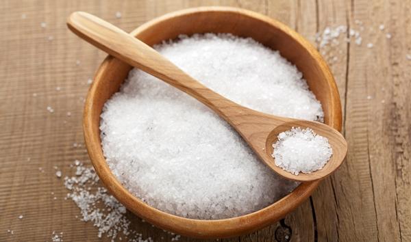 Cách trị gàu bằng muối hiệu quả
